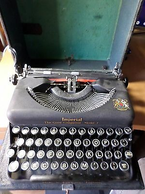 Imperial The Good Companion Model T Manual Portable Typewriter