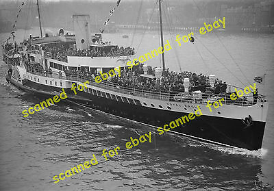 Photo - Royal Eagle paddle steamer on maiden trip from Tower Pier, May 1932