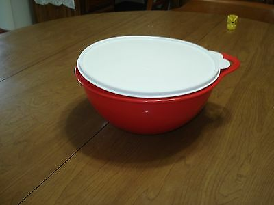Tupperware 12 Cup Wondelier Bowl in Red with white seal.
