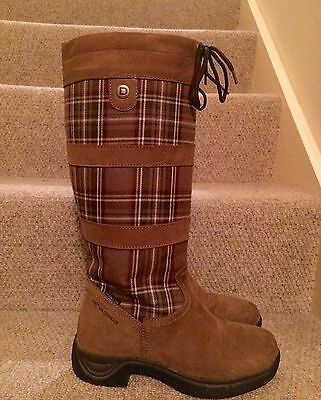Plaid Dublin River Boots - Size 5