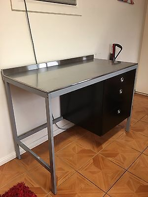 Free Standing Stainless steel bench With 3 Drawers