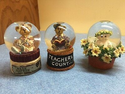 Boyds Bears and Dreamsicles set of 3 small snow globes Teachers Count