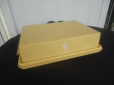 vintage harvest gold tupperware slab cake container keeper taker rectangle