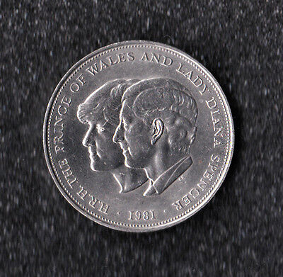1981 Decimal crown charles and diana wedding crown excellent condition