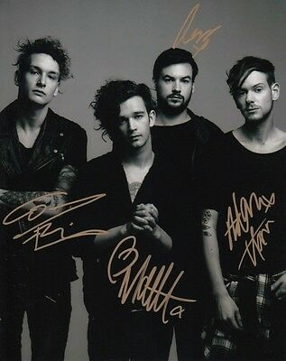 THE 1975 MATTHEW HEALY ROCK BAND SIGNED 10x8 INCH LAB PRINTED PHOTO