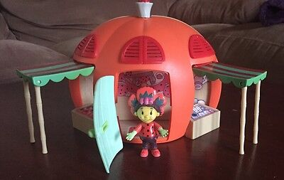 Poppy And Her House From Fifi