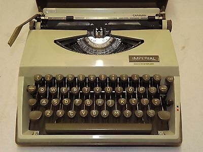 IMPERIAL (Model CARAVAN) Portable Typewriter with case~ Very Clean Condition
