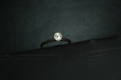 14kt gold cubic zirconia solitaire engagement/wedding ring size 9