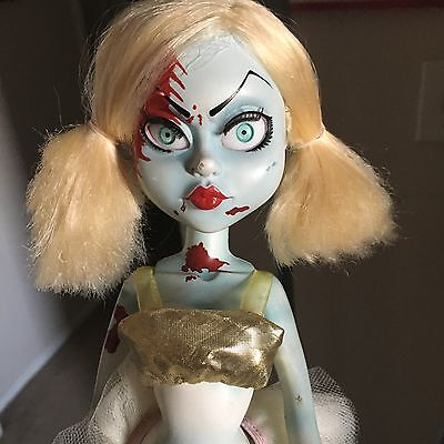 LIVING DEAD DOLLS Hollywood Fashion Victims Loose/