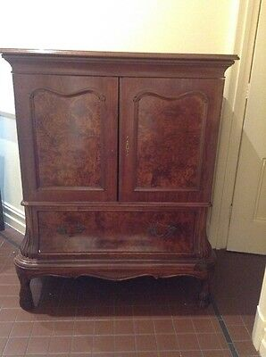 Antique Style Tv  Or Drinks Cabinet
