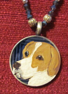 Pointer hand painted on round metal pendant/bead/necklace