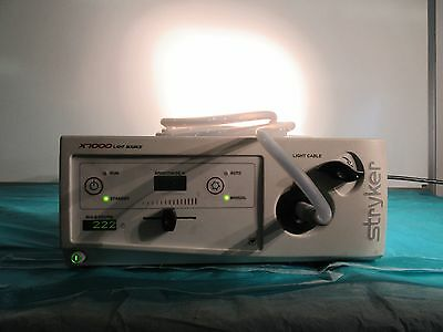 Stryker Endoscopy X7000 Xenon Light Source System 220-190-000