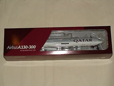 Hogan Wings 1:200 Qatar Airbus A330-300 with gears & stand free shipping