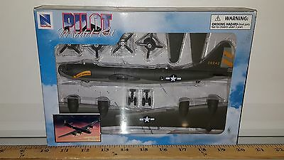 New Ray Classic Military Planes B-29 Bomber Green