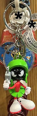 Six Flags Magic Mountain Looney Tunes Marvin The Martian Figure Keychain New