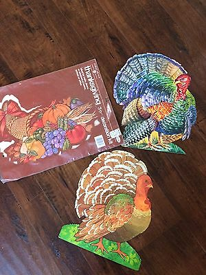 VTG Thanksgiving Paper Decorations