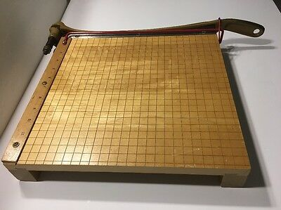 Ingento 1132 Base Paper Trimmer Cutter very good condition