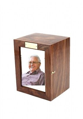 Berrow Wooden Cremation Ashes Urn Adult Size 250CI