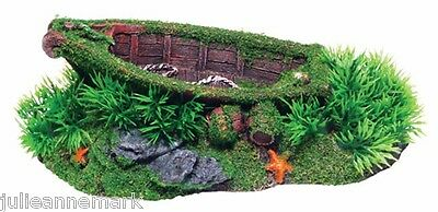 SUNKEN BOAT WITH MOSS (High quality resin)