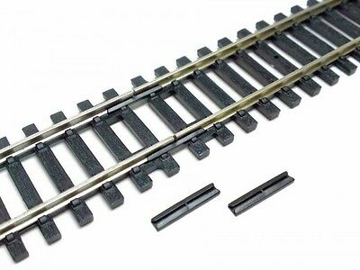 Hornby R920 Insulated Fishplates For Track 1x Pack of 12 - OO Gauge