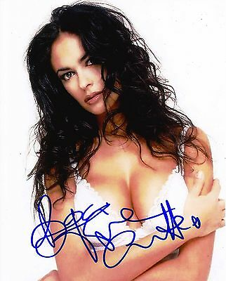 Bond Girl Maria Grazia Cucinotta Autographed 8x10 Photo (Reproduction)