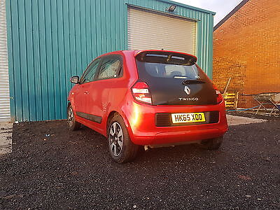 Renault Twingo 1.0L Petrol-2015-Cat D Damaged Repairable-Starts & Drives