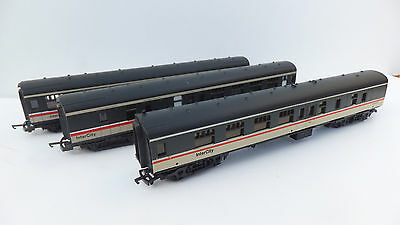 3x Lima MK1 coaches in Intercity livery top condition- No Boxes- OO gauge