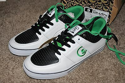 Seedless Shoes Size 9 New in Box/ w tags Lo-Lo Sneakers