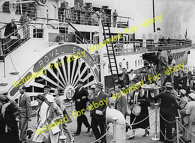 Photo - Royal Eagle paddle steamer used as a film prop, Greenwich, July 1937