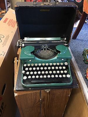 Royal Portable Early 1930's Antique Emerald Green Very Rare STUNNING!!!