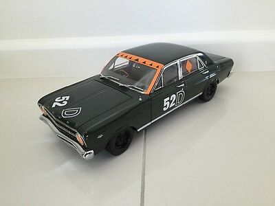 Classic Carlectable 1:18 XR GT Falcon 1967 Bathurst Winners