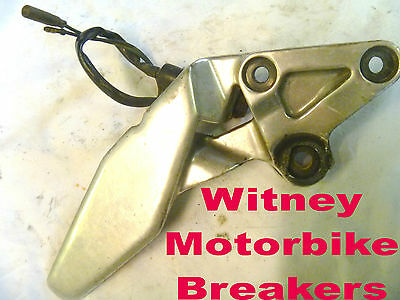 Yamaha Fzr1000 Exup Front Right Foot Rest Peg Hanger Bracket Clamp Fzr 1989-1995