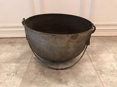 Antique Vintage Large Cast Iron Cauldron Garden Planter Pot Yard Decor fire pit