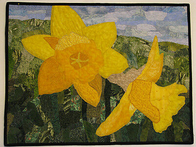 Wall Hanging, Handmade, Wall Art, Daffodils, Art Quilt by HMJQuiltsPlus