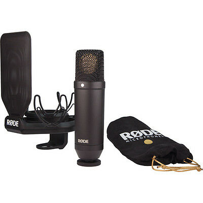 Rode Nt1 Cardioid Condenser Microphone (kit With Smr Shockmount)