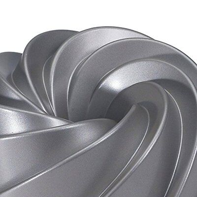 Heritage Bundt Pan Cast Aluminum Made with Non Stick Coating 10 Cups Capacity