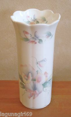 Aynsley Little Sweetheart Bone China Tall Vase Collectable Excellent Condition