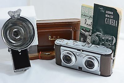 Vintage Realist 45 Stereo Camera With Case, Flash, Instructions 1955