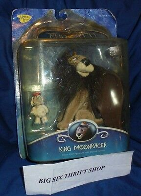 RUDOLPH & THE ISLAND OF the  MISFIT TOYS--KING MOONRACER FIGURE MEMORY LANE
