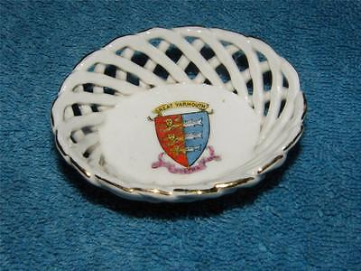 Antique Crested China Basket ~ Great Yarmouth