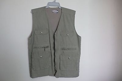 Fishing/ Photography Men's winter vest with many pockets (size 3XL)
