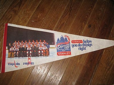 vintage 1984-1985 Washington Capitals Pennant with team photo NHL