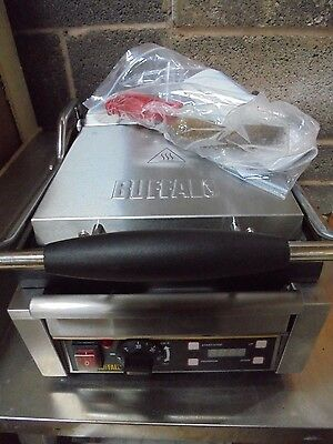 Commercial Catering Buffalo L503 Panini Contact Grill K4207