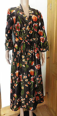 vintage 70's brown bold floral nylon blend dressing gown / robe size 10-12