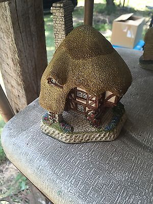 "Vintage Collectible David Winter ""Pudding Cottage"" 1989"