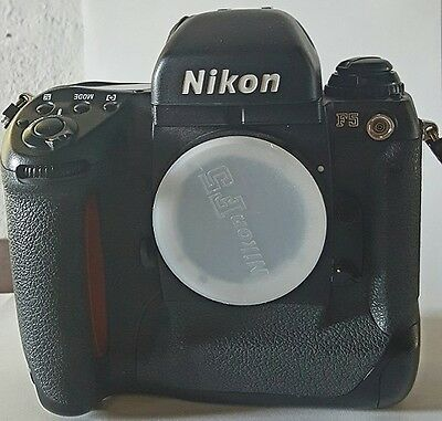 Nikon F5 Professional SLR F Mount BODY ONLY Black Excellent Condition