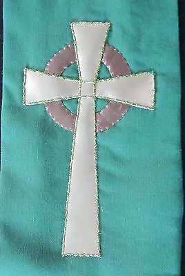 NEW Hand made green clergy stole with gold celtic cross