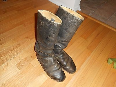 Vintage pair of East German Army boots size 8  !!!