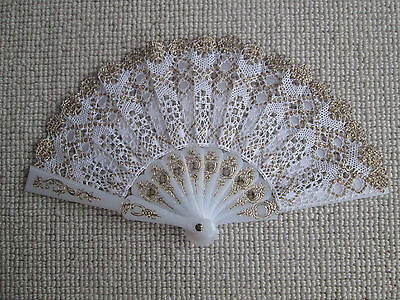 Beautiful Handmade White and Gold Bobbin Lace Fan 22cm Wide
