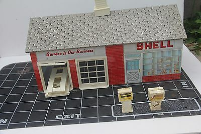 Vintage Tin Shell Gas Service Station Toy Rare!!! Lift Car Building Oil Petro